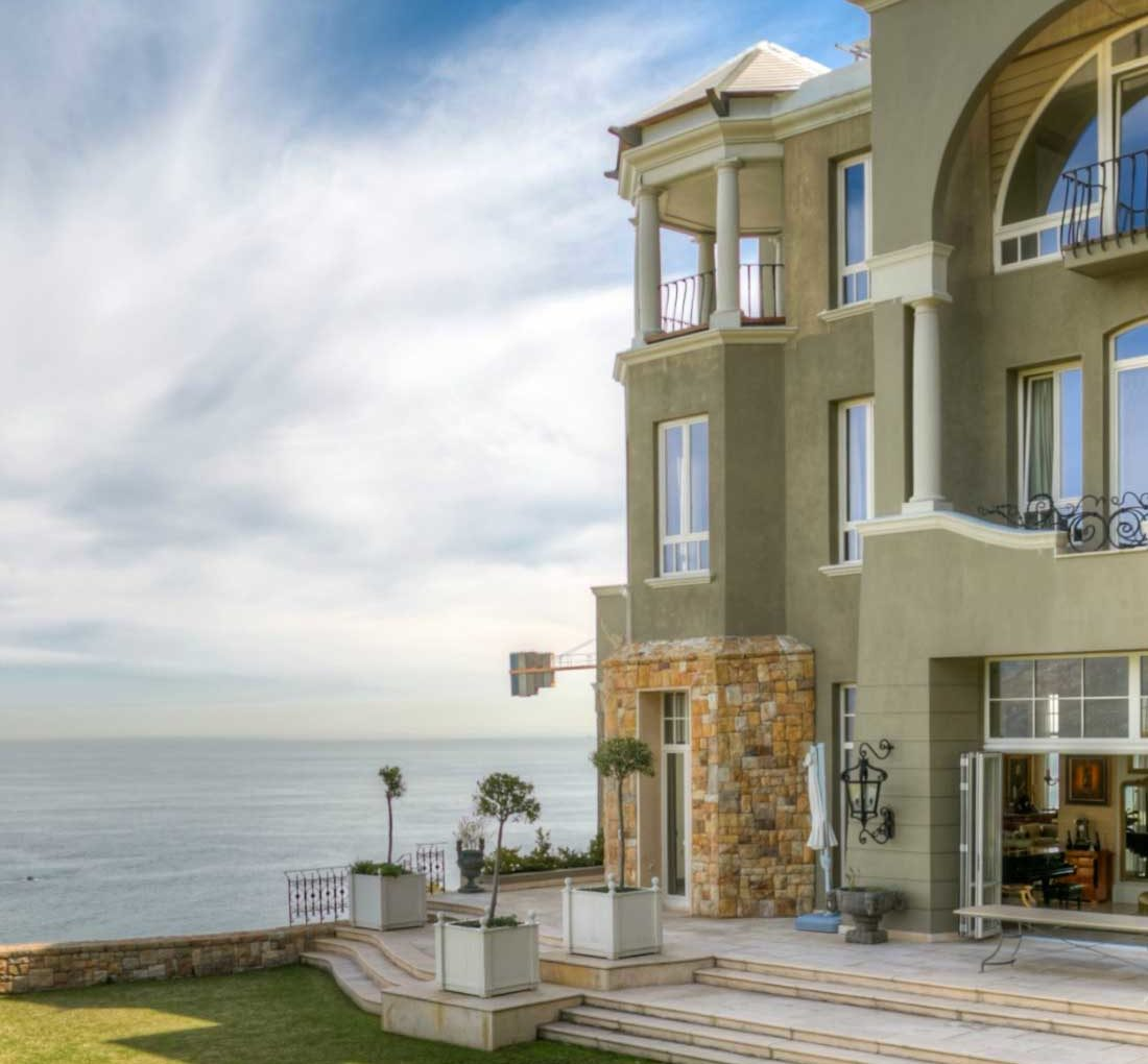 Tourists pay R1m for 4 days holiday rental in Cape Town